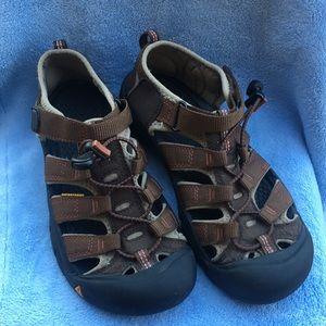 Kenn sandals